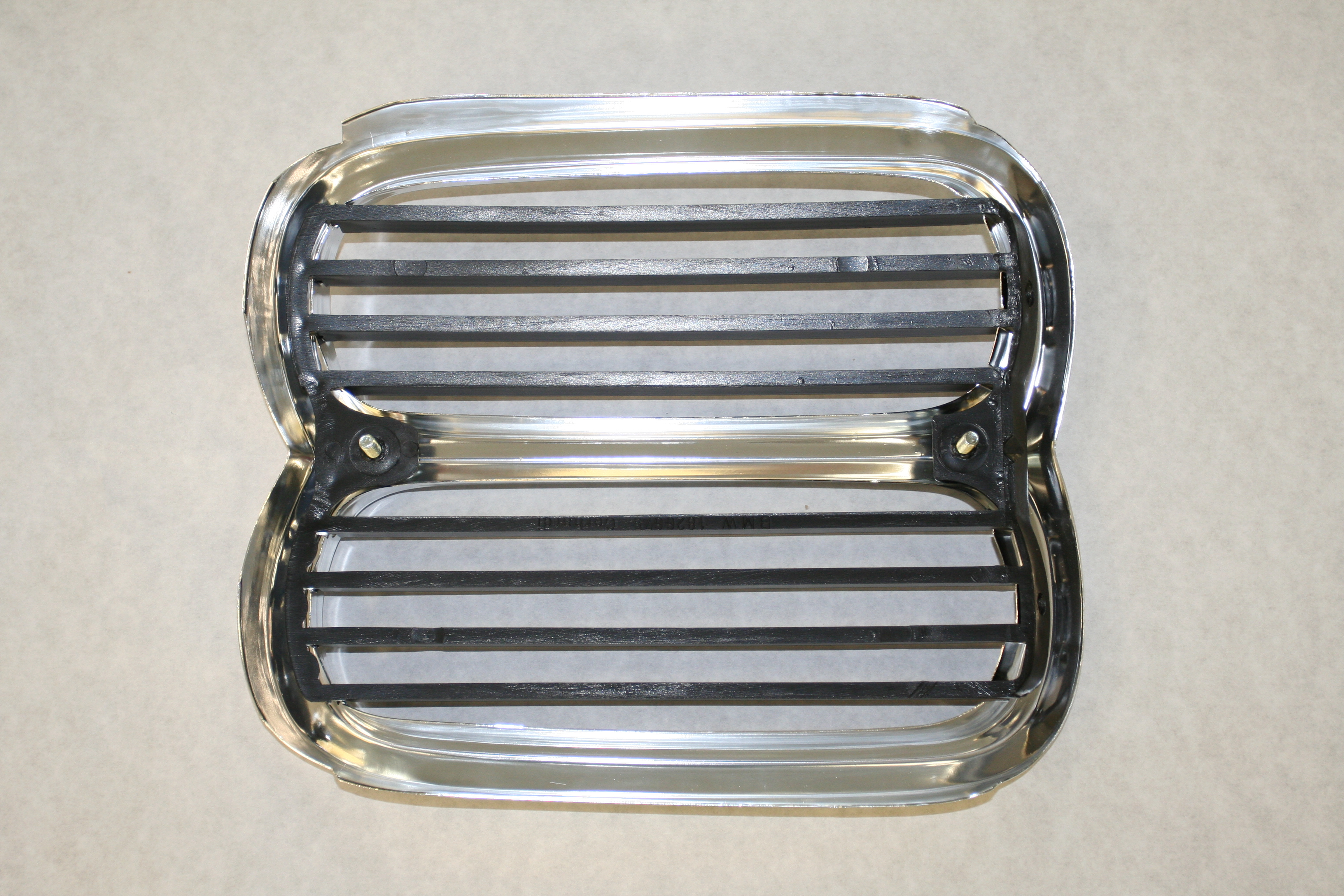 E10 74-76 Front Center Grille,New - Parts For Sale - BMW