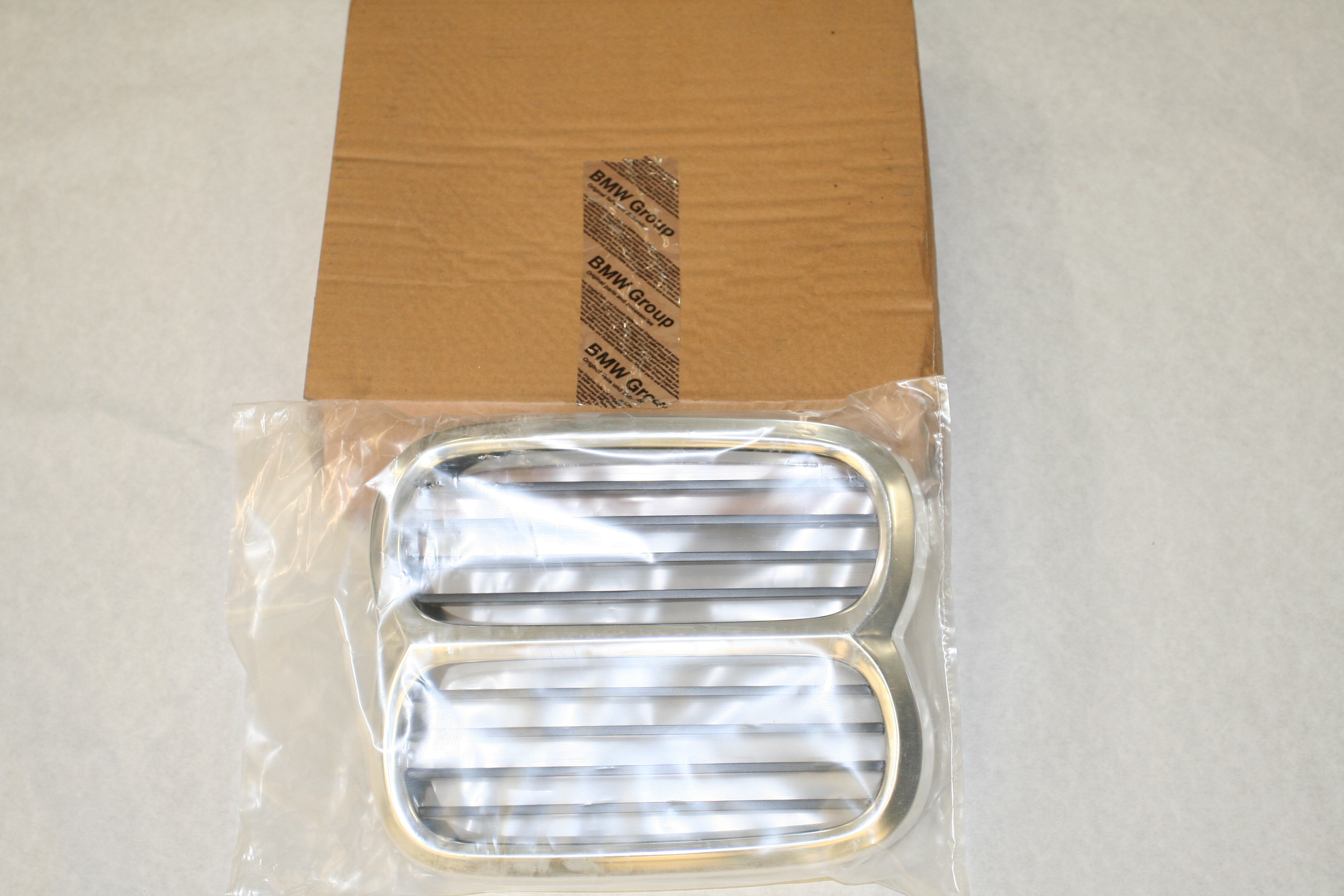 E10 74-76 Front Center Grille,New - Parts For Sale - BMW 2002 FAQ